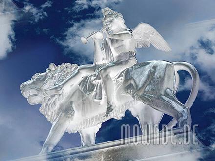 fototapete statue engel loewe blau weiss musik